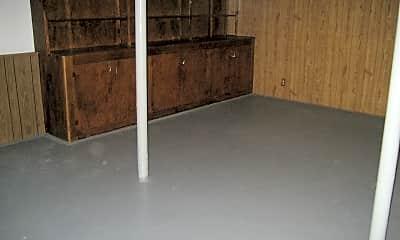 Bedroom, 650 Wyngate Ln, 2
