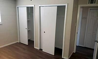 Bedroom, 3950 Turnpike Dr, 0