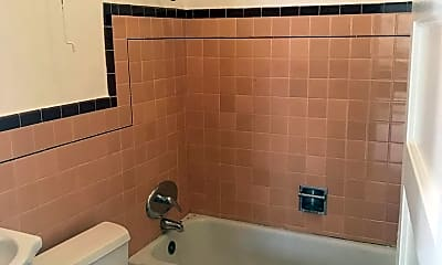 Bathroom, 2936 24th St, 2