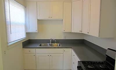 Kitchen, 403 E Freeland St, 2