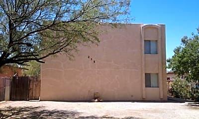 Building, 235 W Lester St 3, 0