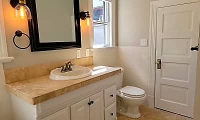 Bathroom, 2388 NW Kearney St, 2