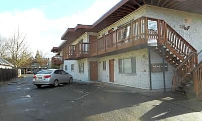 1647 Mill St, 1