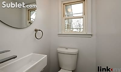 Bathroom, 415 Quincy Ave, 2