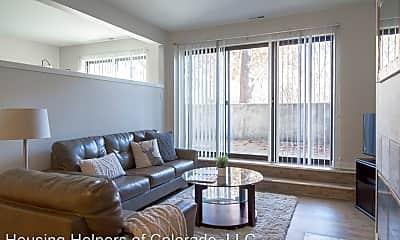 Living Room, 812 Walnut St, 1