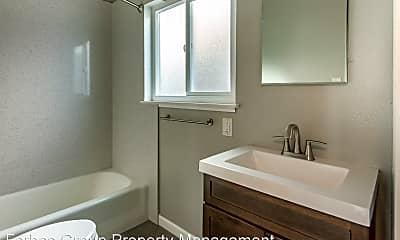 Bathroom, 125 Topeka Ave, 2