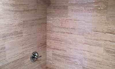 Bathroom, 73 Plymouth Rd, 2