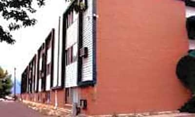 Lelaray Apartments, 2