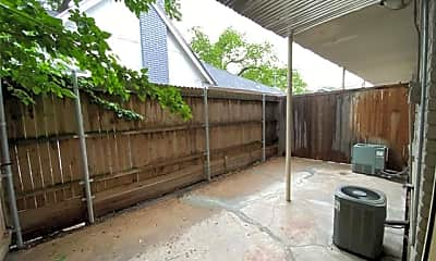 Patio / Deck, 2727 N Henderson Ave A1, 1