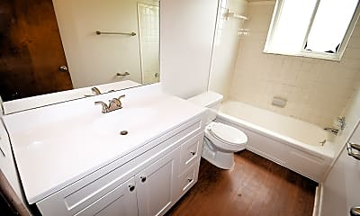 Bathroom, Southpointe Square, 2