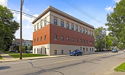 Building, 623 Laurel Ave, 2