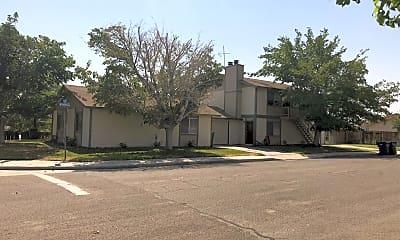 Building, 737 W Atkins Ave, 1