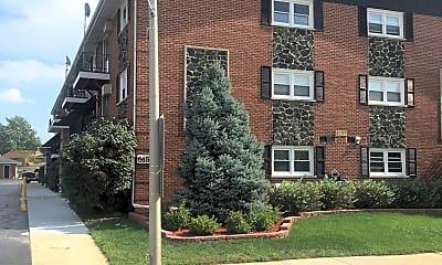 West Claire Apartments, 1