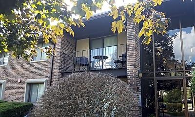 Norhardt Apartment, 2