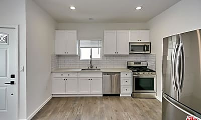 Kitchen, 1523 1/2 Meadowbrook Ave, 2
