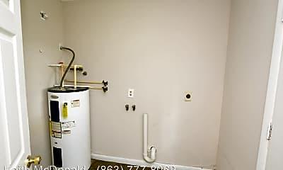 Bathroom, 1314 Tom Watson Rd, 2