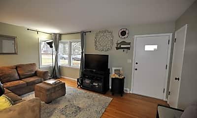 Living Room, 7605 Edgebrook Dr, 1