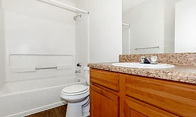 Bathroom, Hickory Pointe, 2