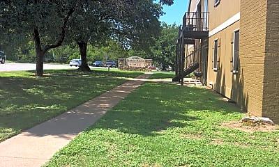 Saddle Ridge Apartments, 1