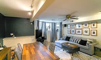 Living Room, 4011 N Kenmore Ave, 1