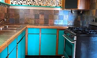 Kitchen, 1051 N Northshore Dr, 1