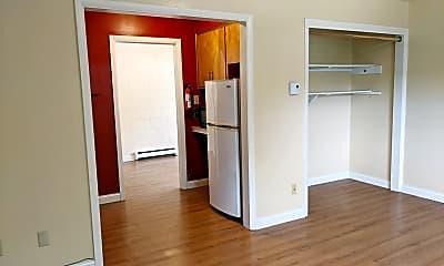 Bedroom, 515 E 10th St, 1