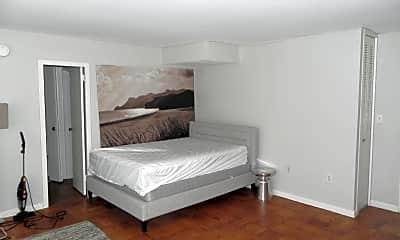Bedroom, 522 21st St NW 611B, 1