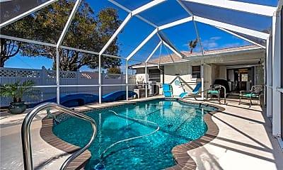 Pool, 102 SE 40th St, 1