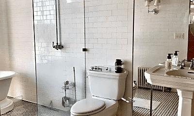 Bathroom, 727 S Dearborn St, 2