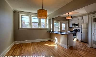 Living Room, 3913 / 3915 / 3917 / 3919 Farnam St, 0