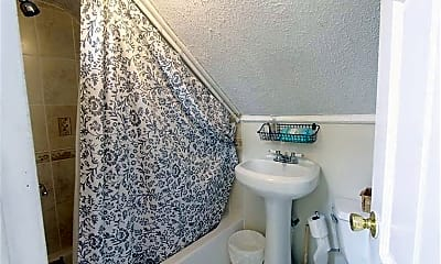 Bathroom, 4 Gore St Pl, 2