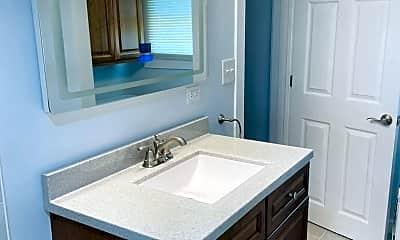 Bathroom, 1485 E Algonquin Rd, 1