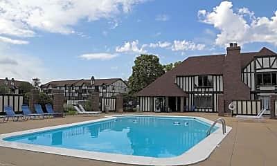Pool, Village Park at Barclay Square, 2