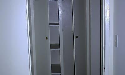 Bathroom, 9611 Alexander Ave, 2