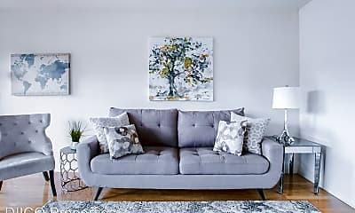 Living Room, 725 N Hayworth Ave, 0