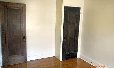 Bedroom, 569-71 Westmoreland Ave, 2