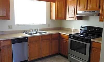 Longview Oaks Apartments, 1