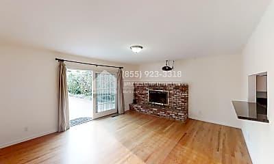 Living Room, 1315 Sunrise Ct, 1