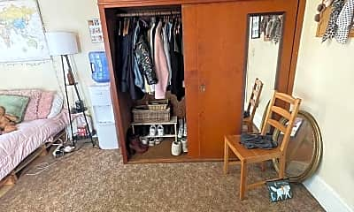 Bedroom, 1407 Halleck St, 2