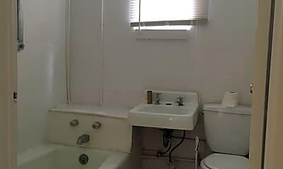 Bathroom, 318 Pearl St, 2
