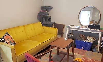 Living Room, 267 Meigs St, 1