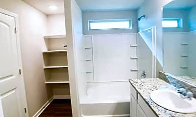 Bathroom, 44154 Covington Ridge Dr, 2