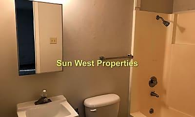 Bathroom, 1012 Glade Ln, 2