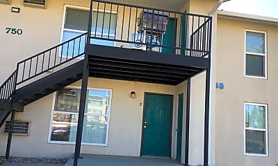 Spring Hill Apartments, 2