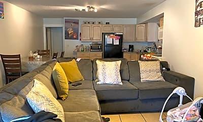 Living Room, 3567 Seminole Ave, 2