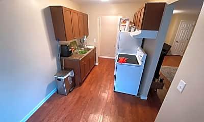 Kitchen, 3923 Lookout Pl, 1