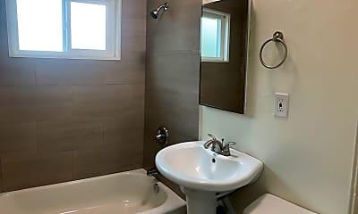 Bathroom, 1236 N Westmoreland Ave, 2