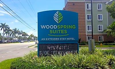 WoodSpring Suites Lake Worth, 1