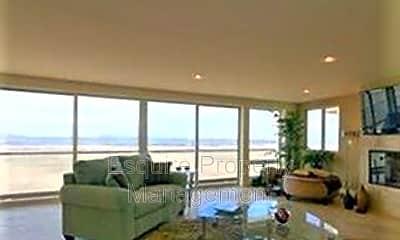 Living Room, 3757 Ocean Dr, 1