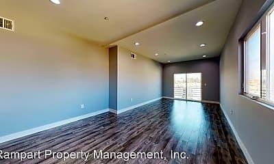 Living Room, 3117 Raymond Ave, 2